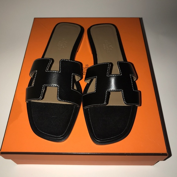 9580c3477c32 Hermes Black Oran H Sandals size 36.5